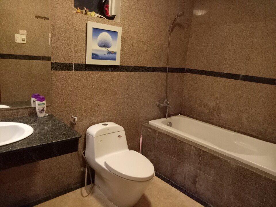 Bán gấp Căn 3 Phòng ngủ, 121m2 góc view đẹp, giá 2 tỷ bao thuế CC Hoàng Anh Gold House - An Tiến, liên hệ: 0903388269 1673717