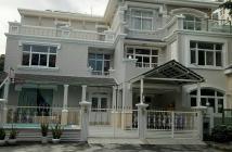 Cần cho thuê gấp biệt thự Mỹ Phú, Phú Mỹ Hưng, quận 7, có hồ bơi, nhà cực đẹp, xem là thích. LH: 0917300798 (Ms.Hằng)