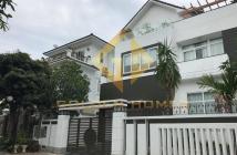 Cho thuê biệt thự Mỹ Văn 2, Phú Mỹ Hưng, DT 12x18m, 4PN, 5WC, sân vườn, nội thất cao cấp. Giá rẻ