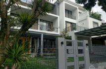 Cho thuê biệt thự tại Phú Mỹ Hưng khu vip DT 200m2 nhà đẹp giá 30 triệu/th,  Lh: 0919049447 Chiến