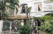 Xuất ngoại bán gấp biệt thự Mỹ Thái 3 Phú Mỹ Hưng Q7 dt 140m2 giá tốt 15.5 tỷ LH 0942 328 193