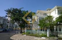 Cần cho thuê gấp biệt thự KDC Phú Mỹ- Vạn Phát Hưng, nhà đẹp, đường lớn, giá rẻ. LH: 0918889565