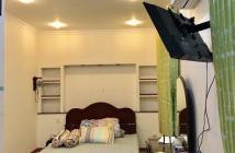 Bán gấp CH Garden Court 2, PMH, nhà đẹp, căn góc ,ban công thông suốt, lầu cao, Tell 0942 443 499