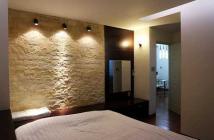 Cho thuê căn hộ chung cư Hồ Hảo Hớn Q1.90m,2pn,đầy đủ nội thất,vị trí mặt tiền đường Hồ Hảo Hớn gần chợ Bến Thành,giá 13tr/th Lh 0...